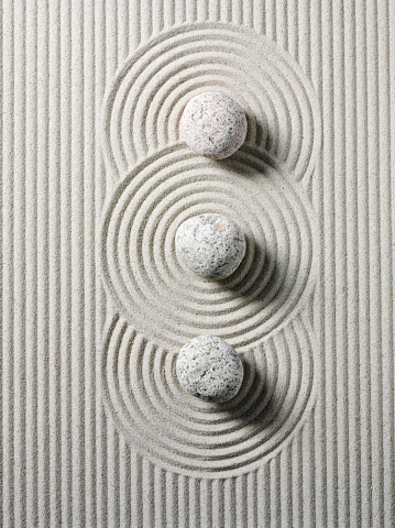 Japanese Garden「Three Zen Stones and Circles」:スマホ壁紙(1)