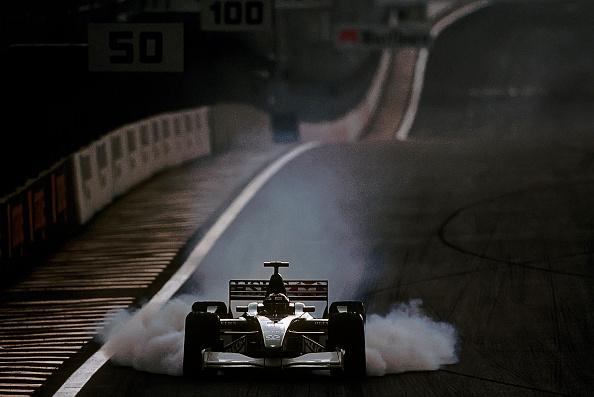 自動車「Eddie Irvine, Grand Prix of Brazil」:写真・画像(3)[壁紙.com]