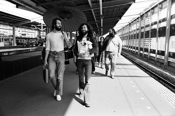 京都府「Led Zeppelin On A Platform At Kyoto Station」:写真・画像(13)[壁紙.com]