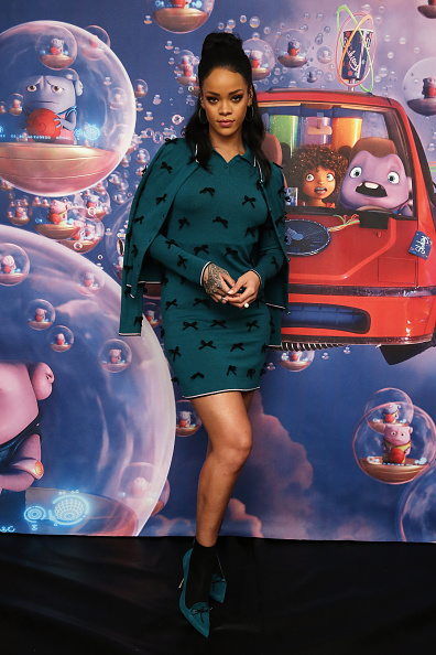 """Bottle Green「Rihanna Promotes Her New Animated Feature """"Home""""」:写真・画像(16)[壁紙.com]"""