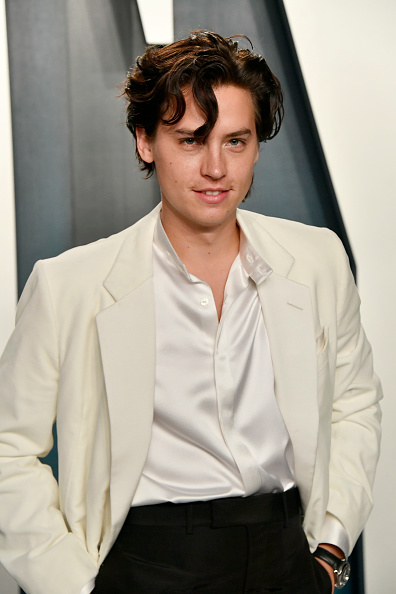 Cole Sprouse「2020 Vanity Fair Oscar Party Hosted By Radhika Jones - Arrivals」:写真・画像(3)[壁紙.com]