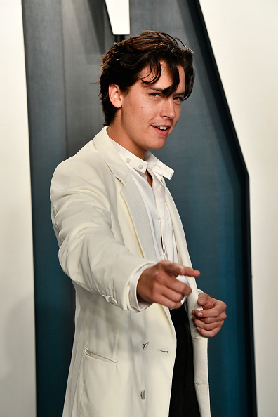 Cole Sprouse「2020 Vanity Fair Oscar Party Hosted By Radhika Jones - Arrivals」:写真・画像(15)[壁紙.com]