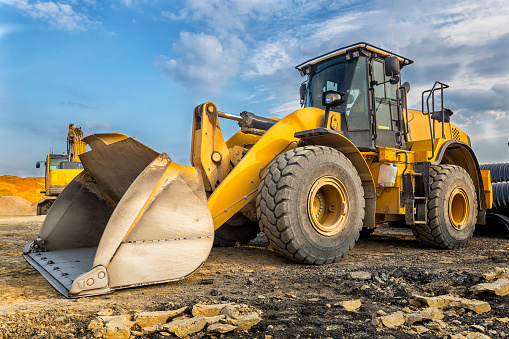 Construction Vehicle「Earth mover in a new highway construction S3, Poland」:スマホ壁紙(15)