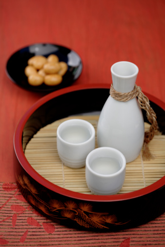 日本酒「Sake and Japanese rice crackers」:スマホ壁紙(12)