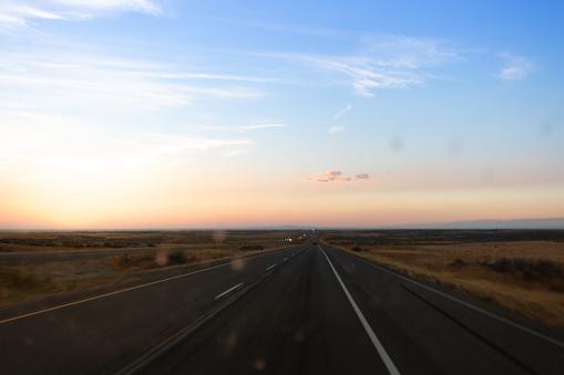 Midday「Long road ahead」:スマホ壁紙(0)