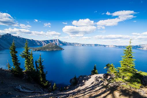 Caldera「USA, Oregon, Klamath County, The caldera of the Crater lake National Park」:スマホ壁紙(8)