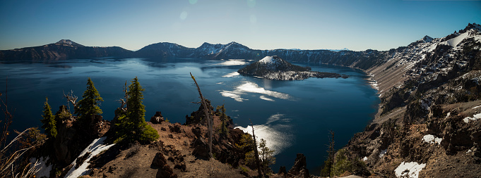 Crater Lake National Park「USA, Oregon, Klamath County, Panoramic view of Crater Lake」:スマホ壁紙(10)