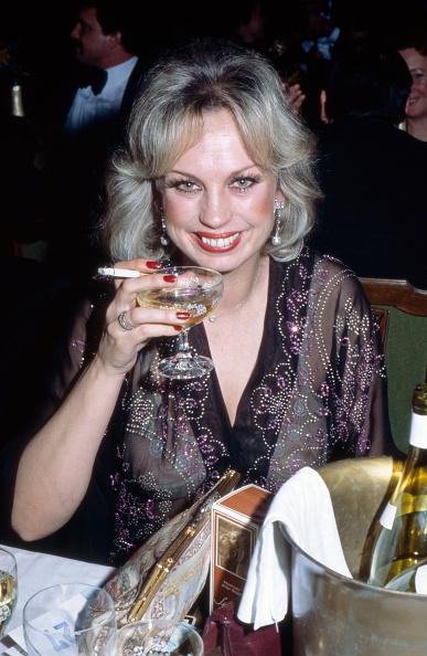 Crockery「Barbara Valentin」:写真・画像(8)[壁紙.com]