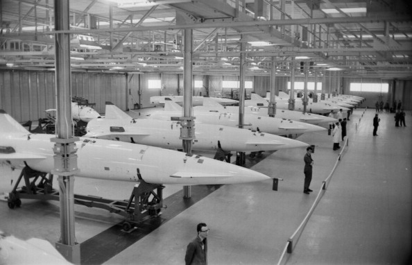 Victor Blackman「V-Bomber Missiles」:写真・画像(12)[壁紙.com]