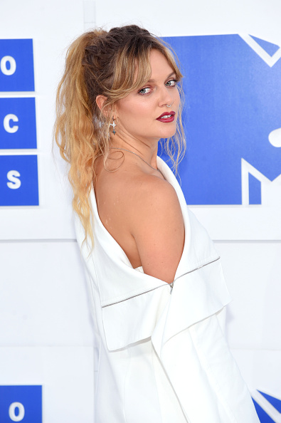 Alternative Pose「2016 MTV Video Music Awards - Arrivals」:写真・画像(15)[壁紙.com]