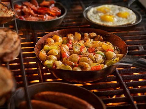 Cast Iron「Full Breakfast on the BBQ」:スマホ壁紙(9)