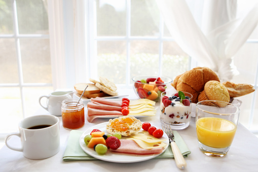 Dining Table「Full breakfast on a sunny day 」:スマホ壁紙(6)