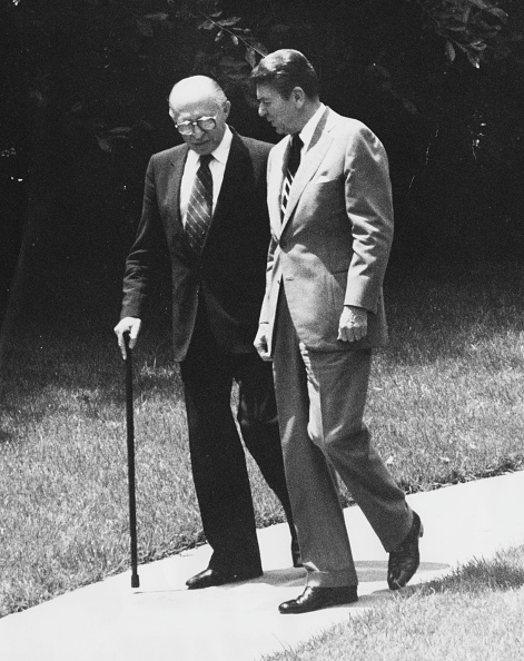 Consolidated News Pictures「Ronald Reagan And Menacham Begin」:写真・画像(1)[壁紙.com]