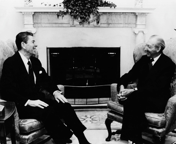 Consolidated News Pictures「Ronald Reagan And Kurt Waldheim」:写真・画像(4)[壁紙.com]
