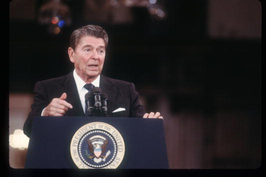 Speech「Reagan Speaks At The Moscow Summit」:写真・画像(5)[壁紙.com]