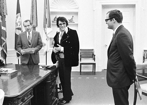 エルヴィス・プレスリー「President Richard Nixon meets with Elvis Presley...」:写真・画像(7)[壁紙.com]