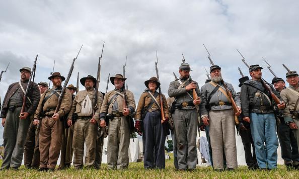 ヒューマンインタレスト「Re-enactors Of Soldiers Throughout History Take Part In The Frontline -Sedgefield Event」:写真・画像(11)[壁紙.com]