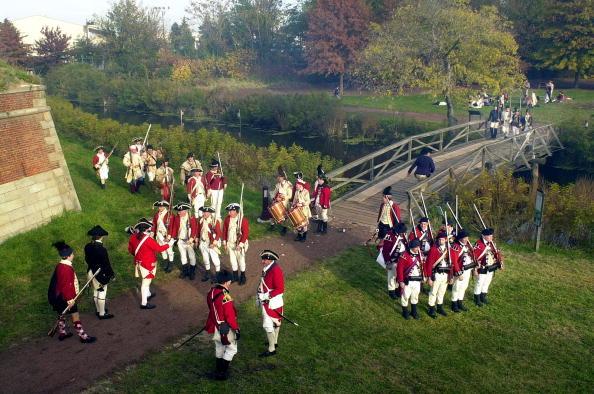 William Thomas Cain「Revolutionary War Battle Reenacted At Fort Mifflin」:写真・画像(7)[壁紙.com]
