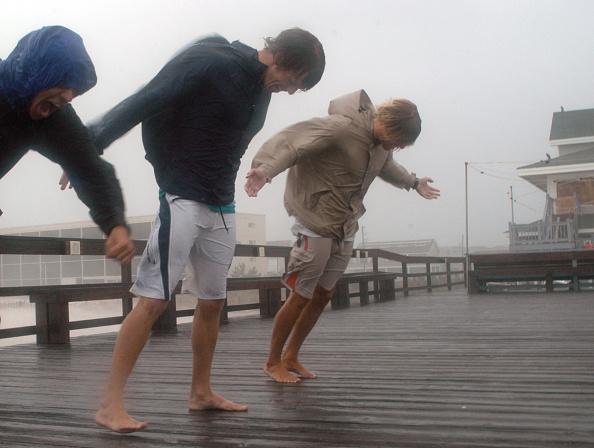 Wind「Hurricane Ophelia Closes In On North Carolina Coast」:写真・画像(14)[壁紙.com]