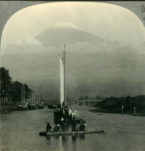 Volcanic Landscape「Beloved Of Artists And Poets - Snow-Capped Fuji」:写真・画像(7)[壁紙.com]