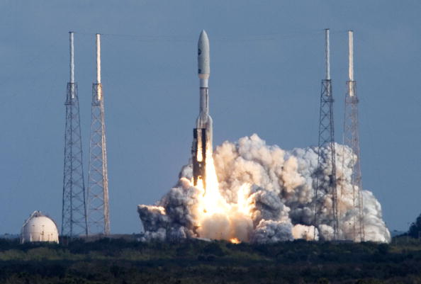 Taking Off - Activity「NASA Spacecraft Lifts Off For Historic Mission To Pluto」:写真・画像(18)[壁紙.com]
