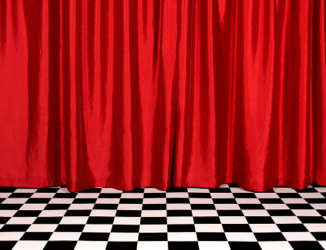 Silk「Theatre red curtains with chequered floor」:スマホ壁紙(12)