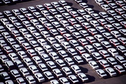 Conformity「Car lot」:スマホ壁紙(17)