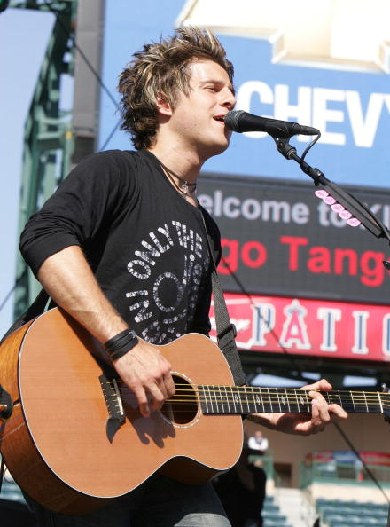 Profile View「102.7 KIIS-FM's 8th Annual Wango Tango 2005」:写真・画像(16)[壁紙.com]