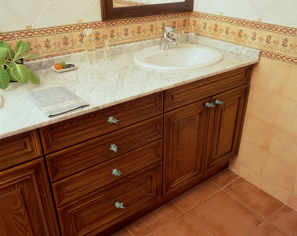 Napkin「View of a sink above a wooden unit」:写真・画像(5)[壁紙.com]