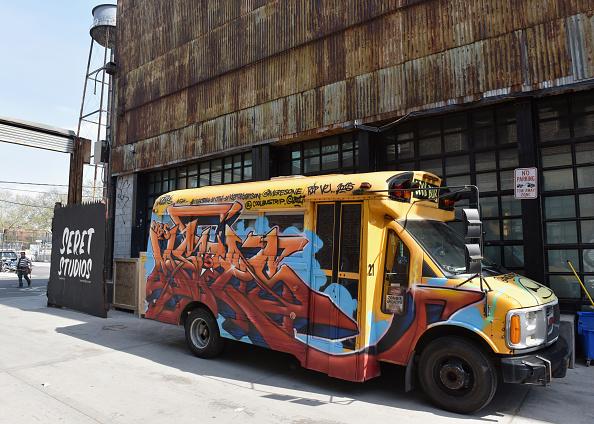 School Bus「Kaspersky Lab Partner With Street Artist D*Face to Save The World」:写真・画像(11)[壁紙.com]