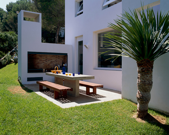 Horizon「View of a seating arrangement on a patio」:写真・画像(3)[壁紙.com]