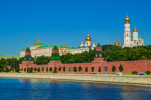 Cathedral「Moscow Kremlin and Moskva river」:スマホ壁紙(0)