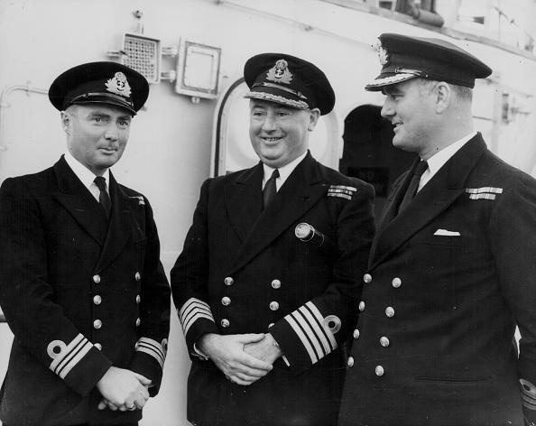 HMS Belfast「Officers Aboard HMS Belfast」:写真・画像(9)[壁紙.com]