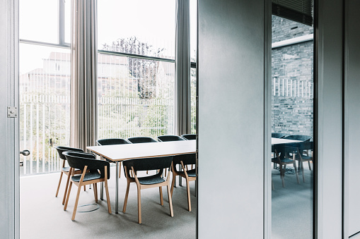 Working「modern meeting room」:スマホ壁紙(11)
