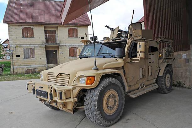 軍用輸送車 軍隊 のスマホ壁紙 id 544540655 a husky tsv armored