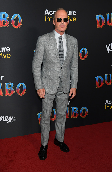 "Personal Accessory「Premiere Of Disney's ""Dumbo"" - Arrivals」:写真・画像(11)[壁紙.com]"
