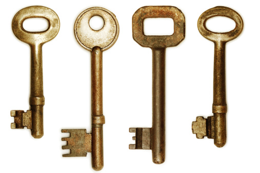 Four Objects「Old Keys (clipping paths)」:スマホ壁紙(18)
