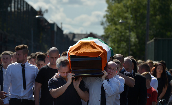 Obituary「Funeral Is Held For Former Provisional IRA Member Kevin McGuigan」:写真・画像(2)[壁紙.com]