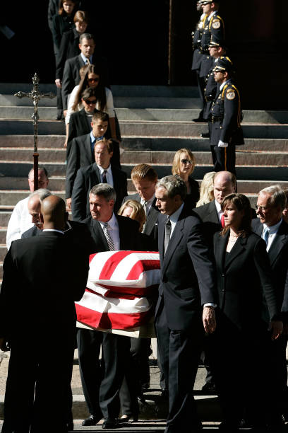 Funeral Services Held For Chief Justice Rehnquist:ニュース(壁紙.com)