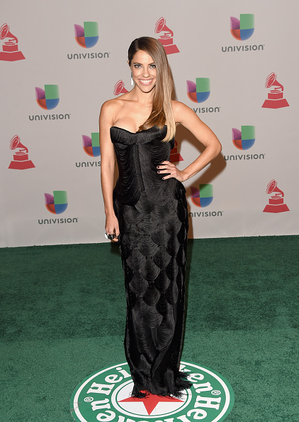 Scalloped - Pattern「15th Annual Latin GRAMMY Awards - Arrivals」:写真・画像(1)[壁紙.com]
