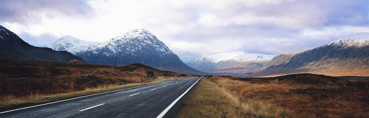 Empty Road「Scotland, Highlands, Glencoe, highway」:スマホ壁紙(1)