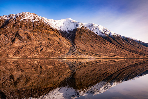 スコットランド文化「Scotland, Highlands, Loch Etive with snow-covered Ben Starav in the background」:スマホ壁紙(18)