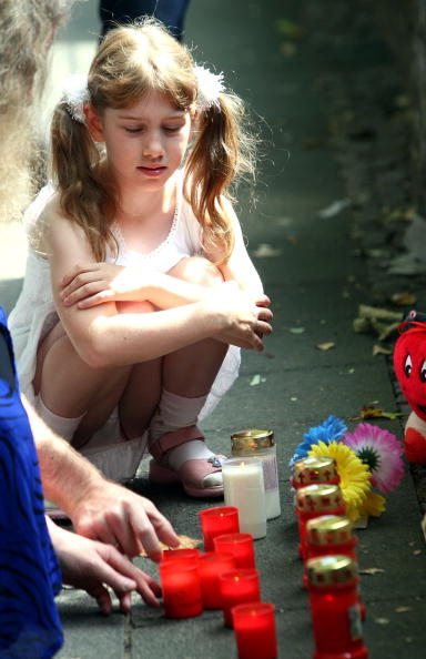 Techno Music「At Least 18 Die After Stampede At Love Parade」:写真・画像(16)[壁紙.com]
