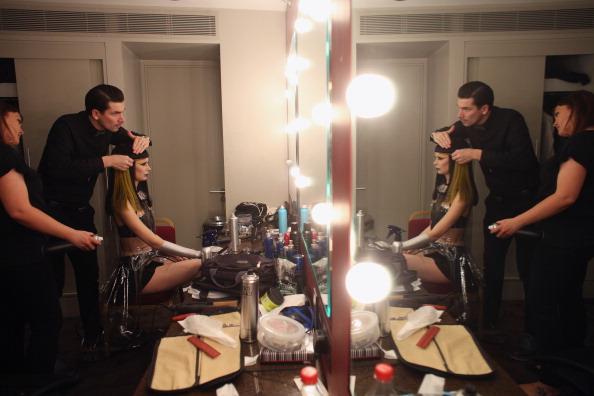 Oli Scarff「Extravagant Hair Styles Take To The Catwalk At The Alternative Hair Show」:写真・画像(19)[壁紙.com]