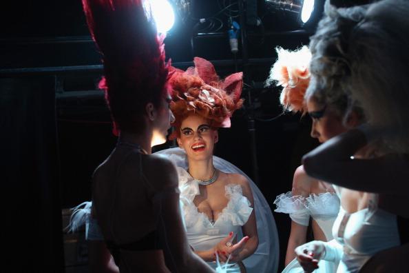 Oli Scarff「Extravagant Hair Styles Take To The Catwalk At The Alternative Hair Show」:写真・画像(17)[壁紙.com]