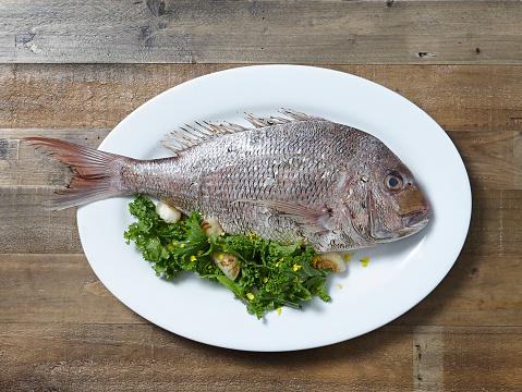 熱帯魚「Whole Snapper Fish」:スマホ壁紙(19)
