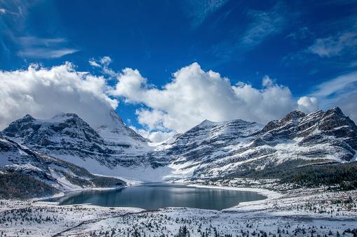 Mt Assiniboine「Lake Magog at Mount Assiniboine Provincial Park, Canada」:スマホ壁紙(2)
