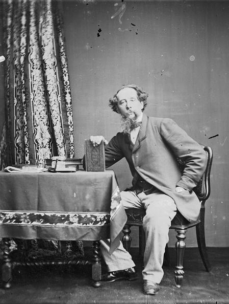 Table「Charles Dickens」:写真・画像(3)[壁紙.com]
