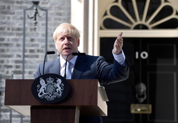 Boris Johnson「Boris Johnson Arrives In Downing Street To Take The Office Of Prime Minister」:写真・画像(13)[壁紙.com]
