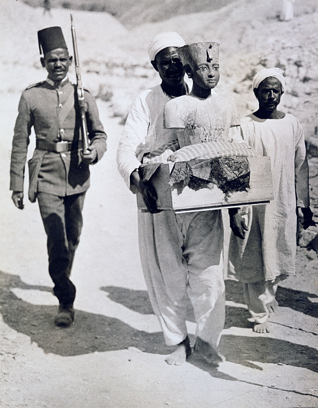 Bust - Sculpture「Mannequin Or Bust Of Tutankhamun Being Carried From His Tomb Valley Of The Kings Egypt 1922」:写真・画像(16)[壁紙.com]